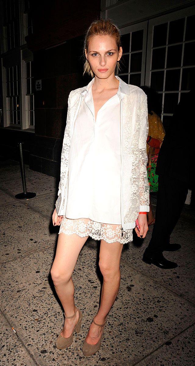 Las mejor vestidas de la semana -  Andrej Pejic por las calles de Nueva York