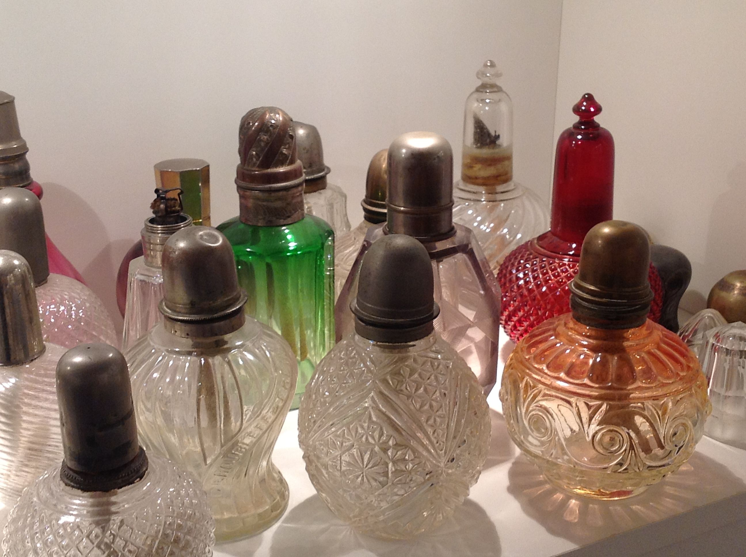 Antique Lampe Berger With Images Bottles Decoration Bottle