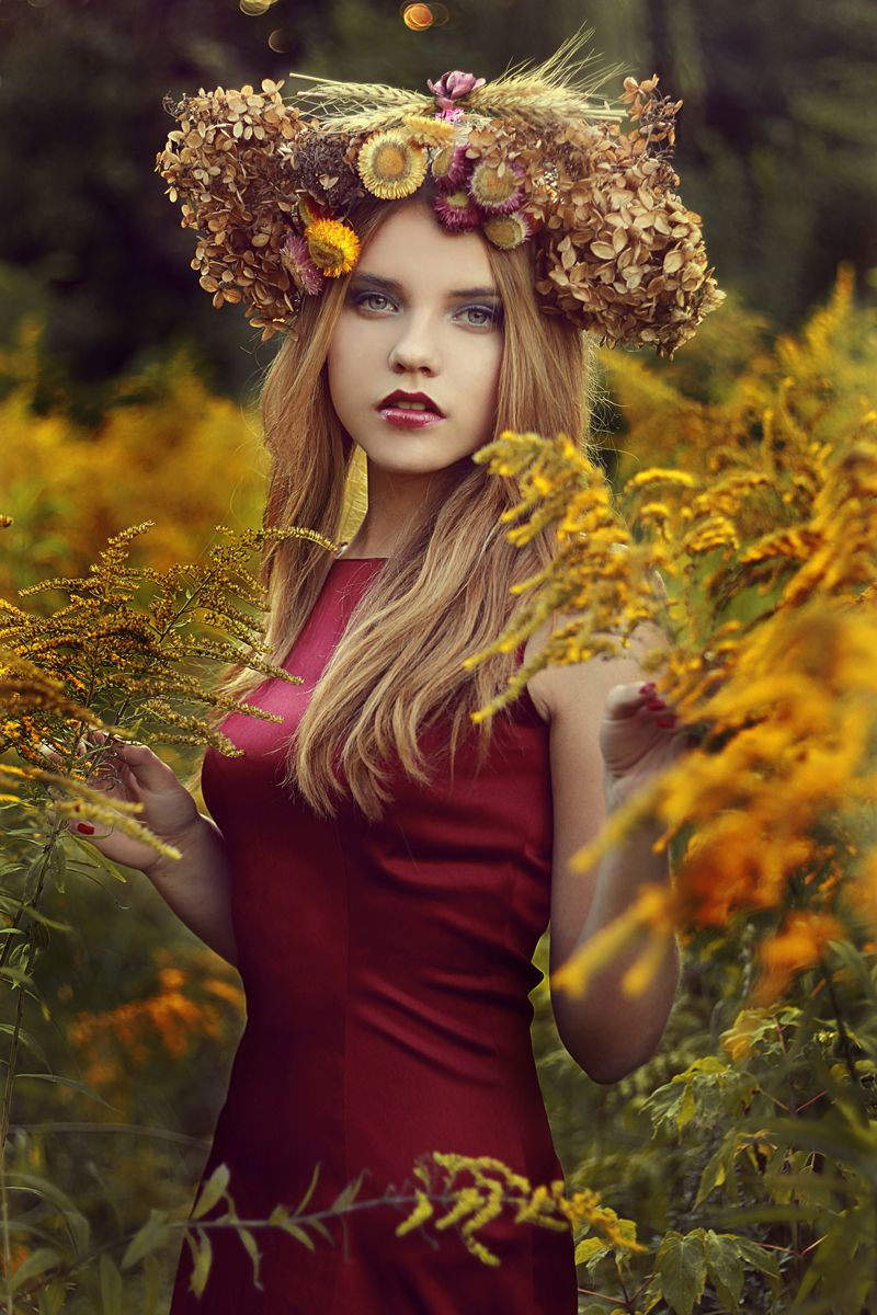 Flowers - Photographer: Paulina - FairyLady Photography Model: Oliwia Drożdżyk