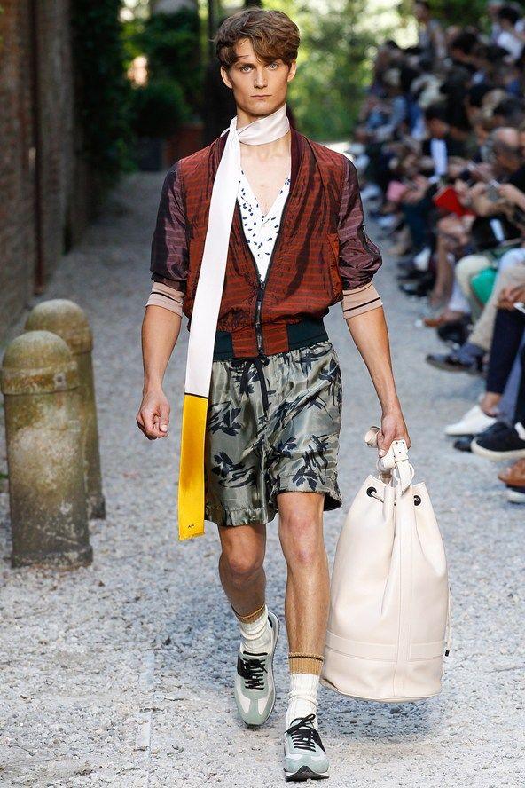 Andrea Pompilio Spring/Summer 2016 Menswear | Male