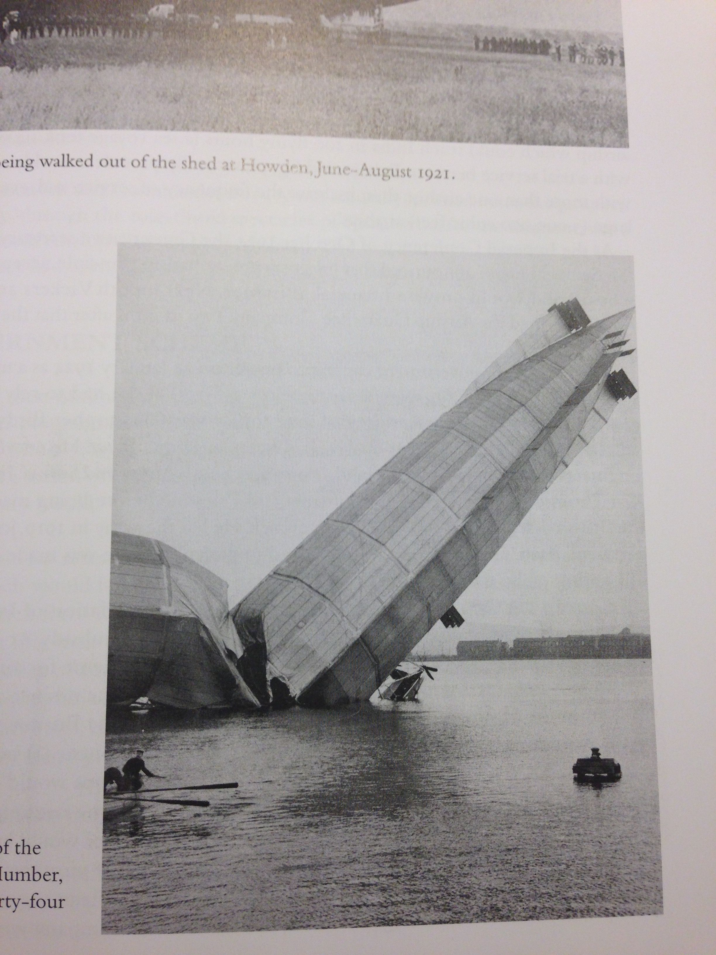 Crash on water! Zeppelin airship, Airship balloon, Zeppelin
