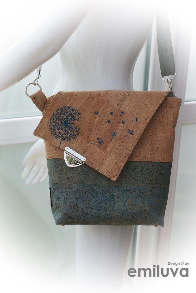 – BxHxT ca. 30x27x8 cm – kleine, elegante Tasche im klassischen Stil – durch die…