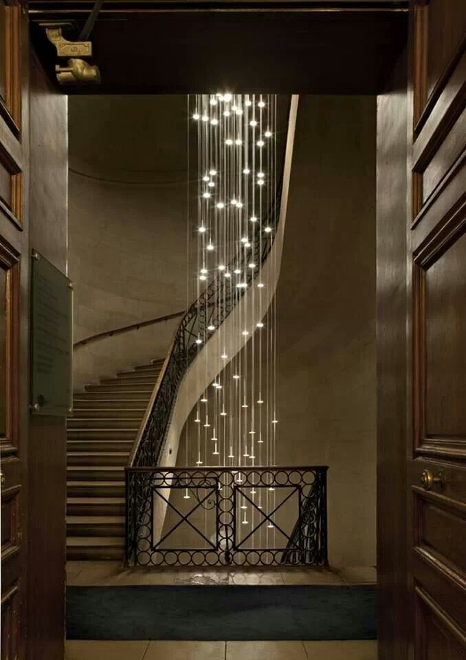 Lighting Basement Washroom Stairs: This Garland Looks Soooo Exquisite And Stylish, If I Had A