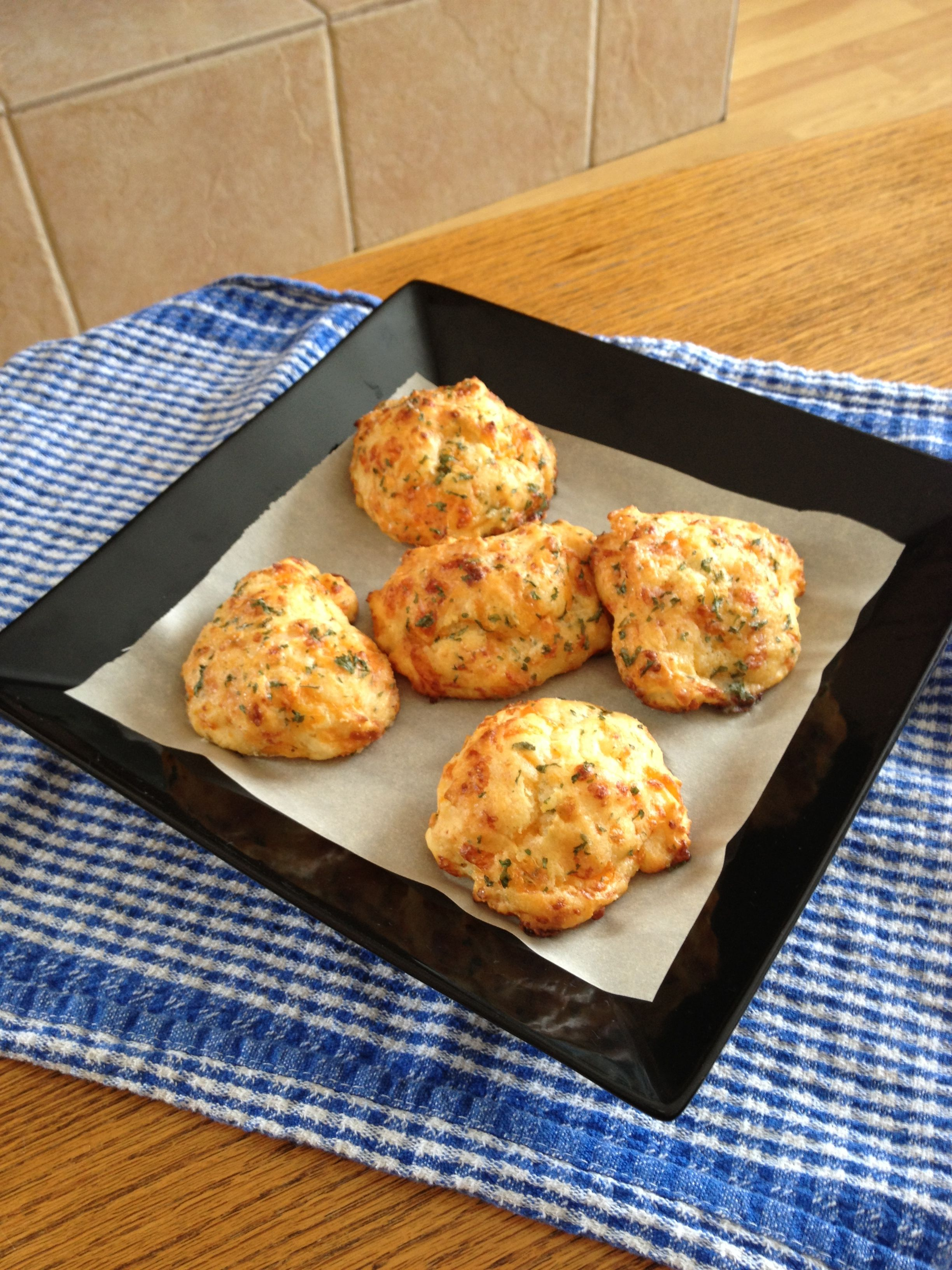 Copy cat Red Lobster biscuits - totally time 20 minutes. Ingredients 2 cups  bid quick