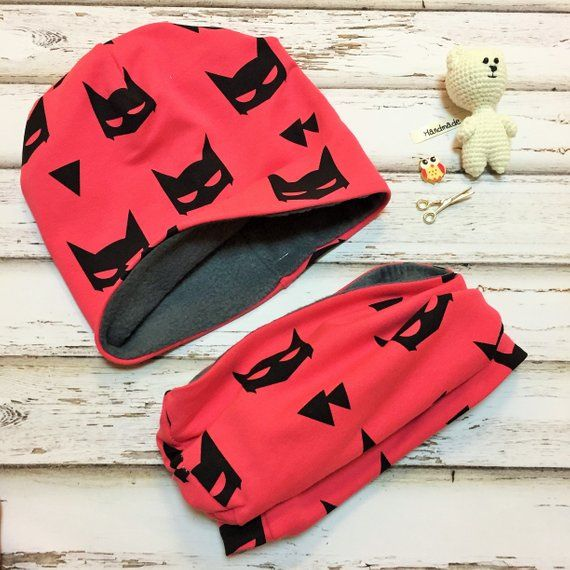 0bebf082524 Baby Hat Baby Snood Baby Scarf Red Batman Baby Gift Baby Boy Snood Baby  Shower Gift Kids Infinity Scarf Baby Birthday Gift Toddler Snood