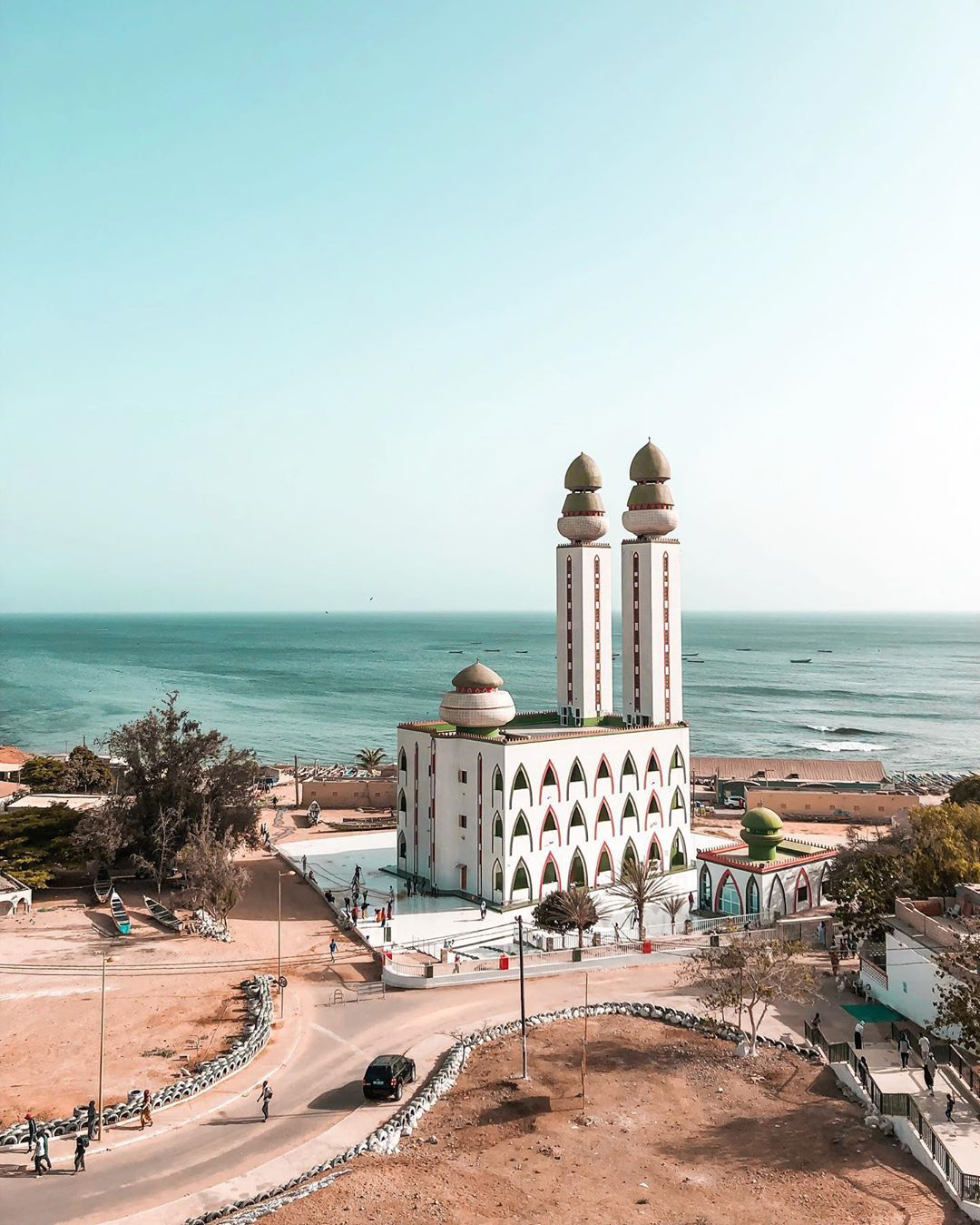 Mosque De La Divinite Dakar Senegal Africa Travel Mosque African Skies