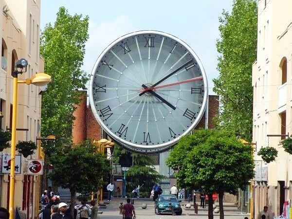 europe 39 s biggest clock cergy saint christophe train station france clocks around the world. Black Bedroom Furniture Sets. Home Design Ideas