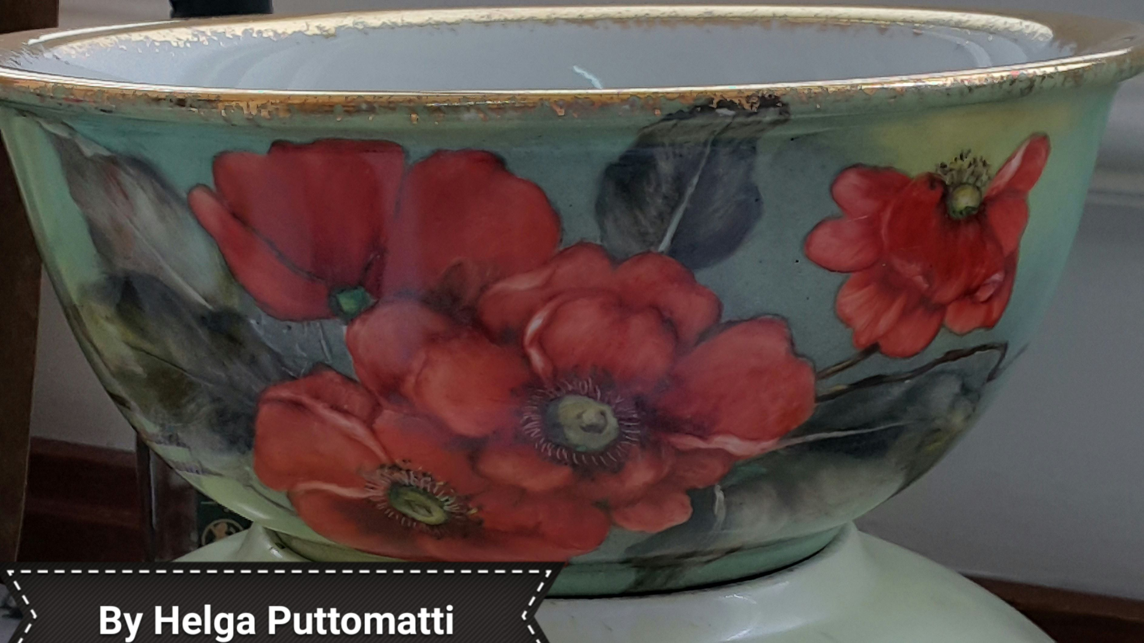 Saladeira de porcelana pintada à mão