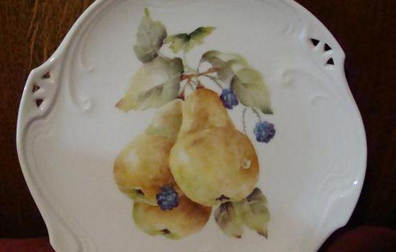 June Watson Artist pearsandberries.jpg (576×367)