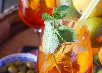 Bunte Vielfalt (Teil 4): Cocktaildekorationen - http://www.dieweinpresse.at/bunte-vielfalt-teil-4-cocktaildekorationen/