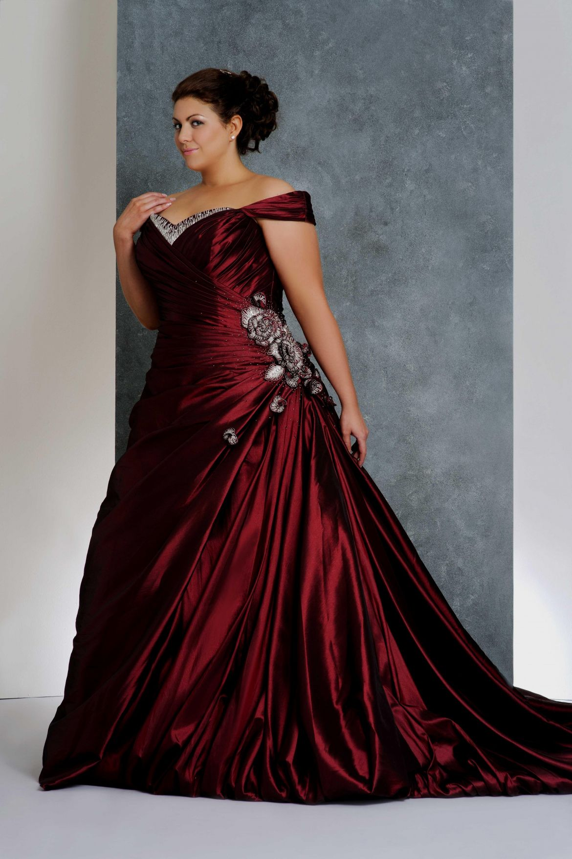 18+ Red Wedding Dresses Plus Size   How to Dress for A Wedding ...