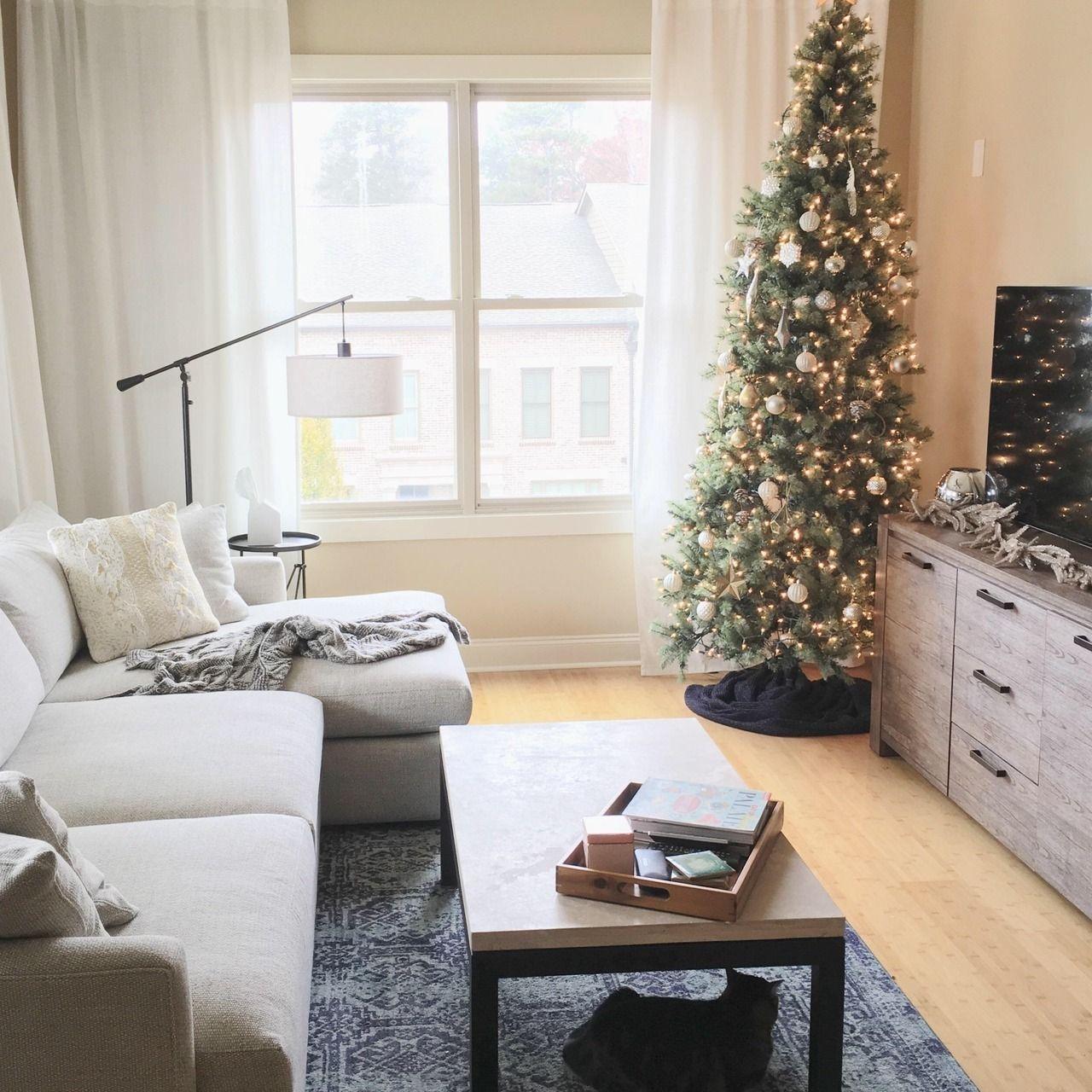 Christmas Decor In An Atlanta