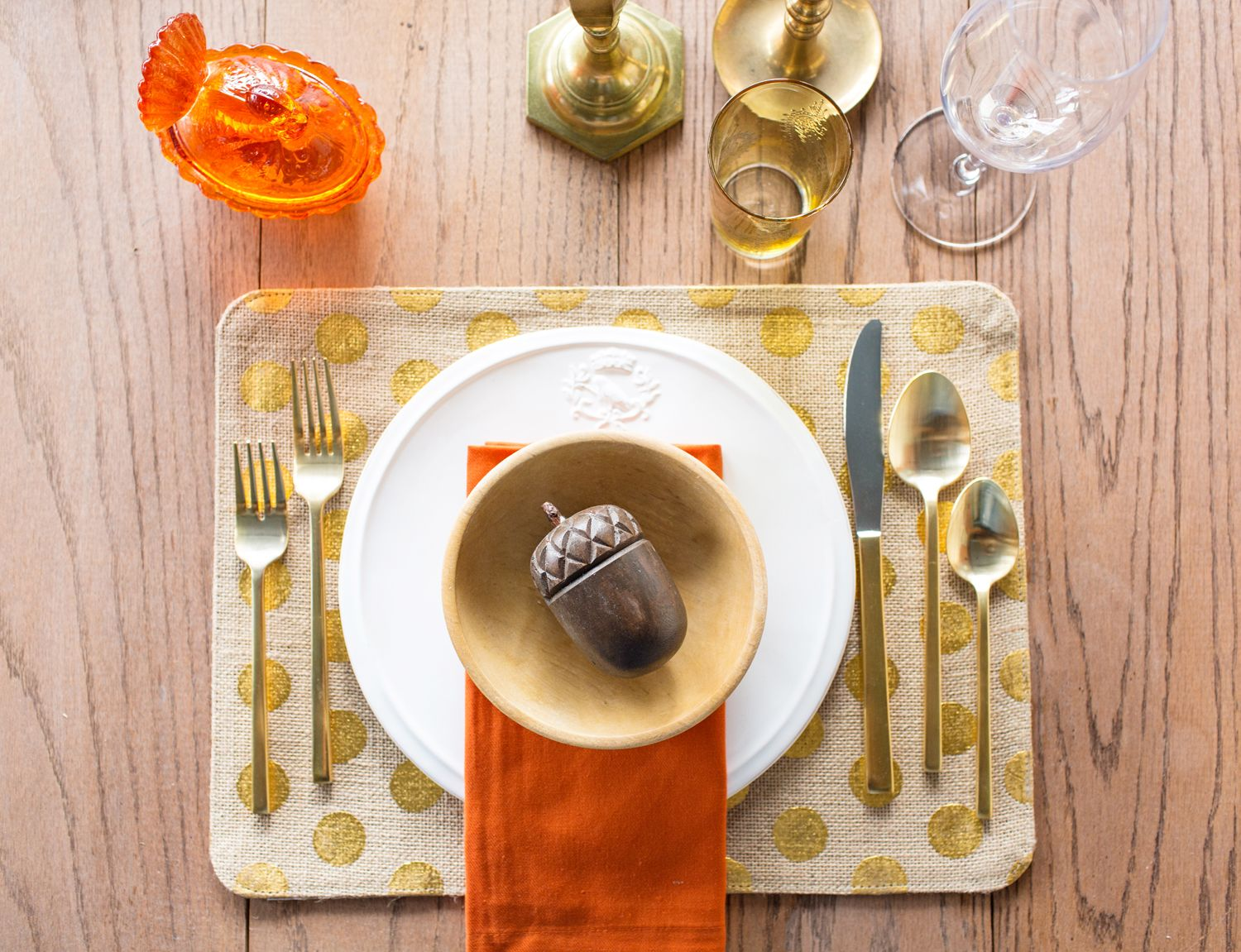 4 Rustic chic table setting ideas for Thanksgiving - Thanksgiving.com & 4 rustic chic table setting ideas for | Rustic chic Table settings ...