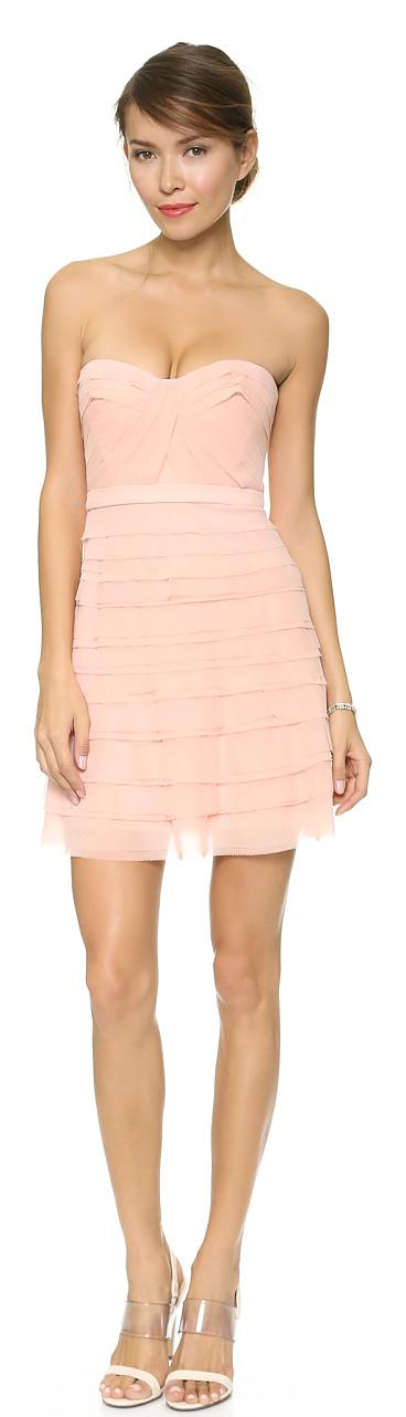 Bandage Blush dress found at Nudevotion.com | Bandage midi