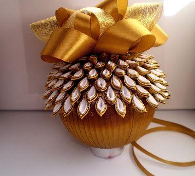 Fabryka Niespodzianek Bombki Ze Wstazki Kanzashi Flower Crafts Christmas Ribbon Ribbon Ornaments