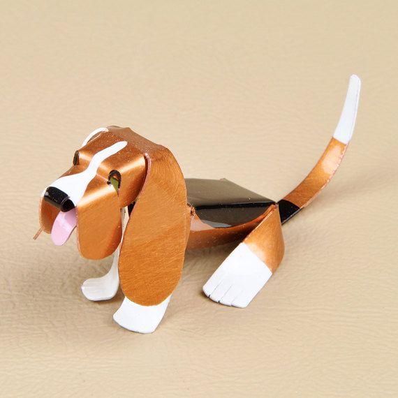 He encontrado este interesante anuncio de Etsy en https://www.etsy.com/es/listing/199575943/miniature-copper-basset-hound-tweenie
