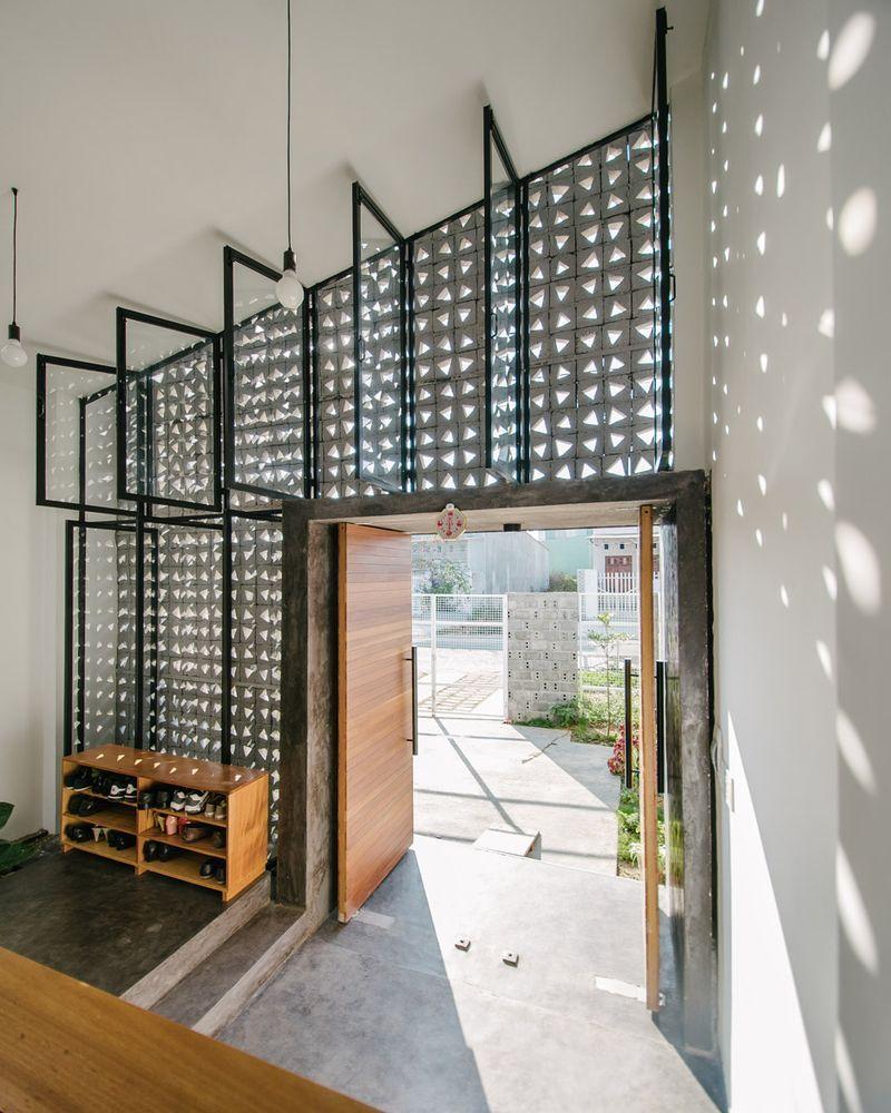 Lowly Concrete Block Gets Stylish Remix At Vietnam Home House Concrete Facade Facade House