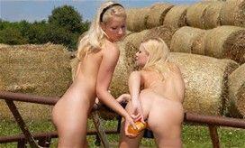Girls In Yellow Panties