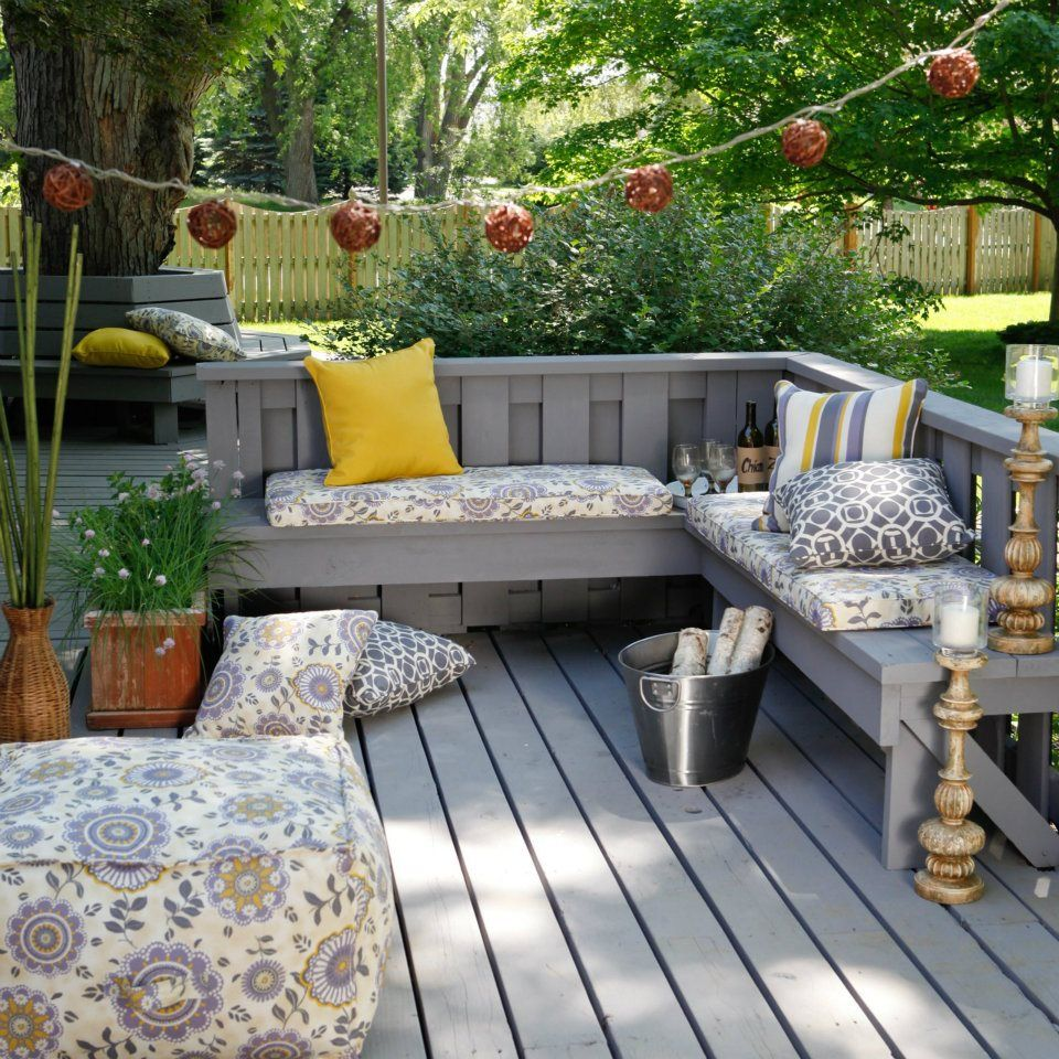 Deck patio decor built in benches outdoors pinterest for Decorated decks and patios