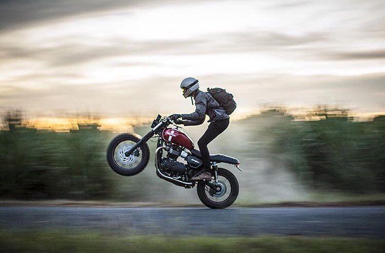 Enjoy the ride… .  @triumphaus    @dean_walters                                  #triumph #triumphmotorcycles #motorcycle #motorcycleart #ridewithstyle #fullthrottle #fun #freedom #adventure #inspiration #instablogger #instaphoto #custom #garage #caferacer #caferacersofinstagram #scrambler #scramblersofinstagram #enjoytheride