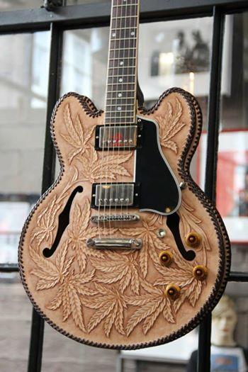 custom guitar leaf wut i like pinterest guitar cool guitar and guitar art. Black Bedroom Furniture Sets. Home Design Ideas
