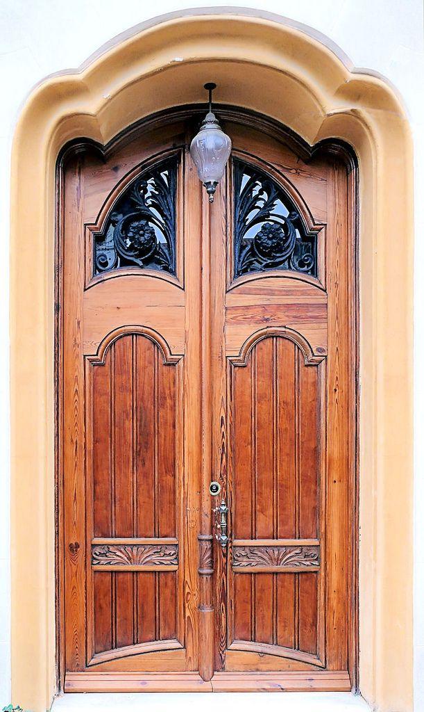 Barcelona Avinguda Tibidabo 027 F Gorgeous Doors Windows And Doors Old Doors