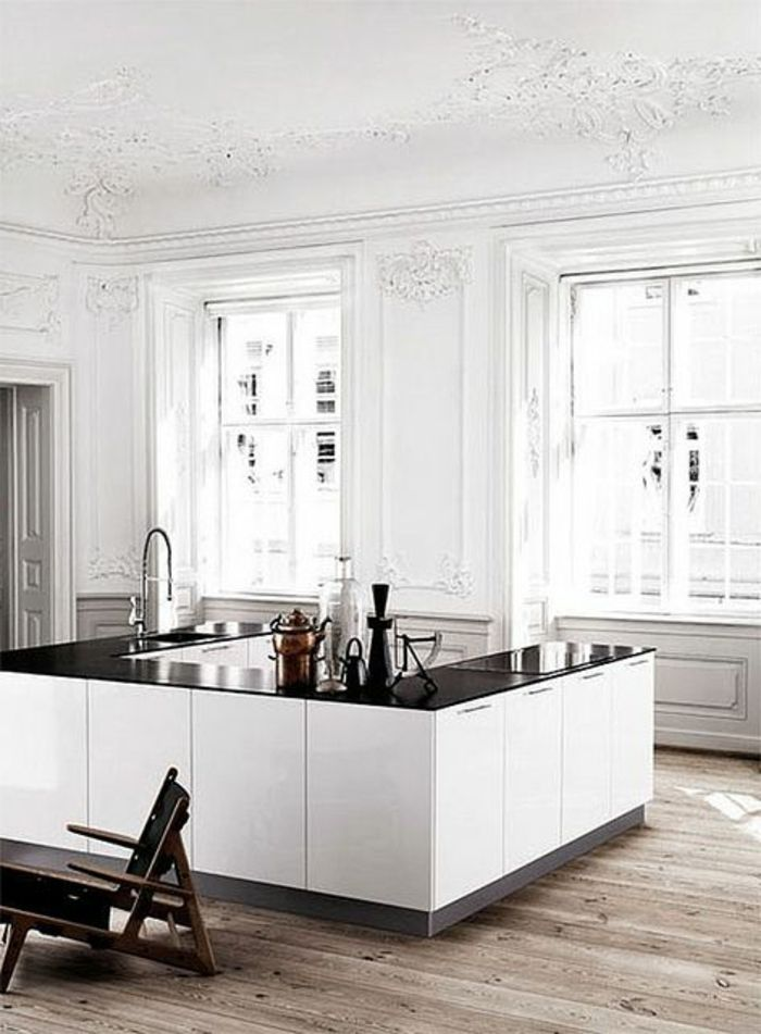 Charmant La Maison Du Style Pas Cher #10: Cuisine Blanche Laquée Pas Cher Dans La Maison De Style Baroque