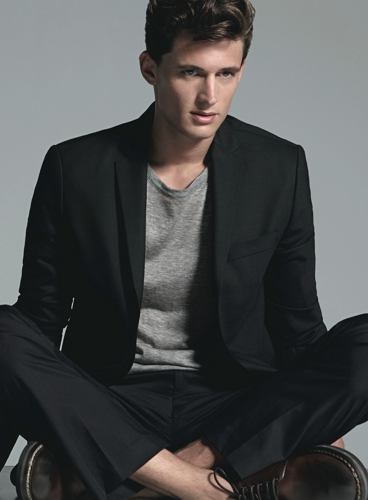 Black t shirt with suit - Explore Details Magazine Men In Black And More