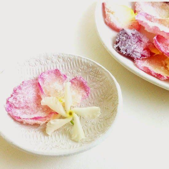 petali di rose cristallizzati <3