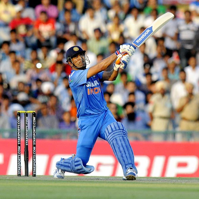 Mahendra Singh Dhoni Hits A Six India Cricket Team Cricket Sport Ms Dhoni Wallpapers