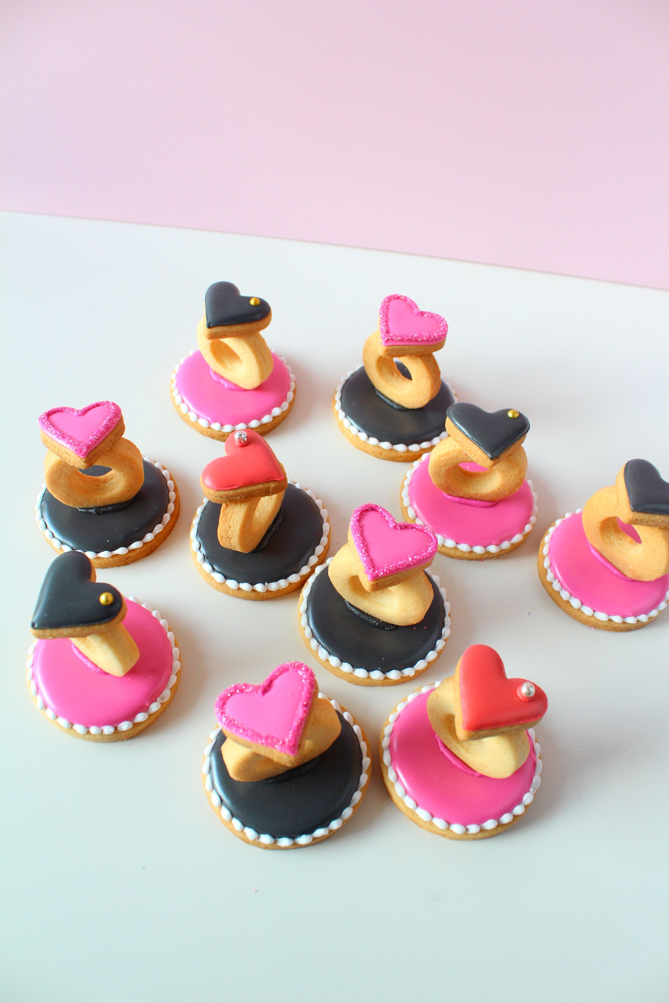 3D ring icing cookies | Ropa y complementos | Pinterest | Iced ...