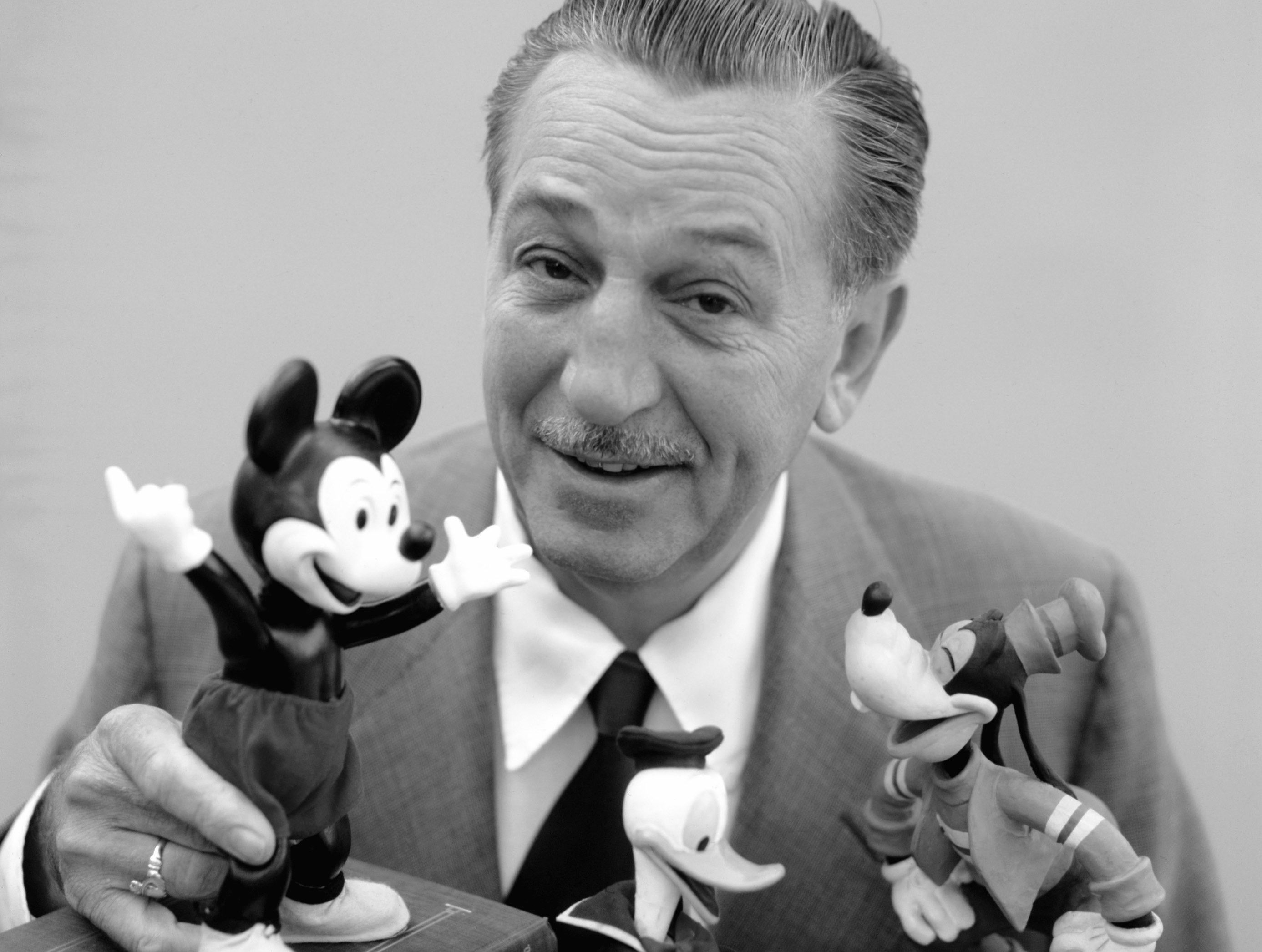 Walt Disney Experts Dismiss Allegations He Was Anti Semitic Walter