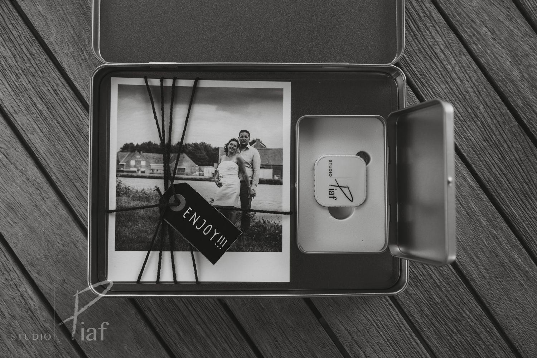 Een luxe-doos vol met herinneringen, een set retro-kaartjes met de favorieten en een usb-stick vol leuke beelden!
