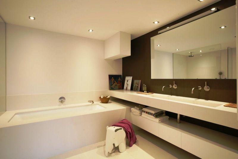 Sjartec Badkamers, sanitair, Leiden, Zuid-Holland | White Luxury ...