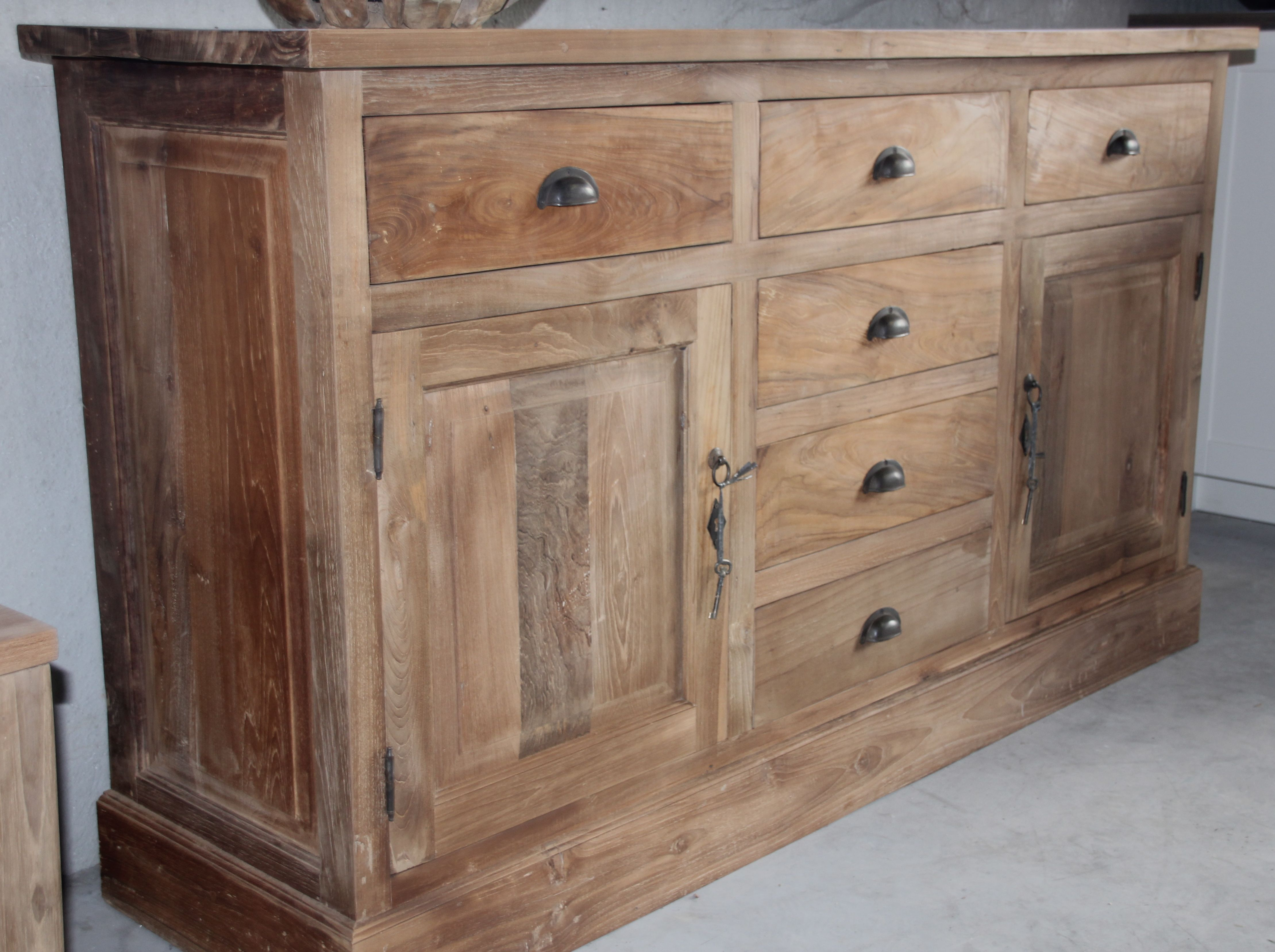 Fraai dressoir 160cm klassiek gemaakt van teakhout praktische afmeting en klassieke greepjes - Solide teakhout ...