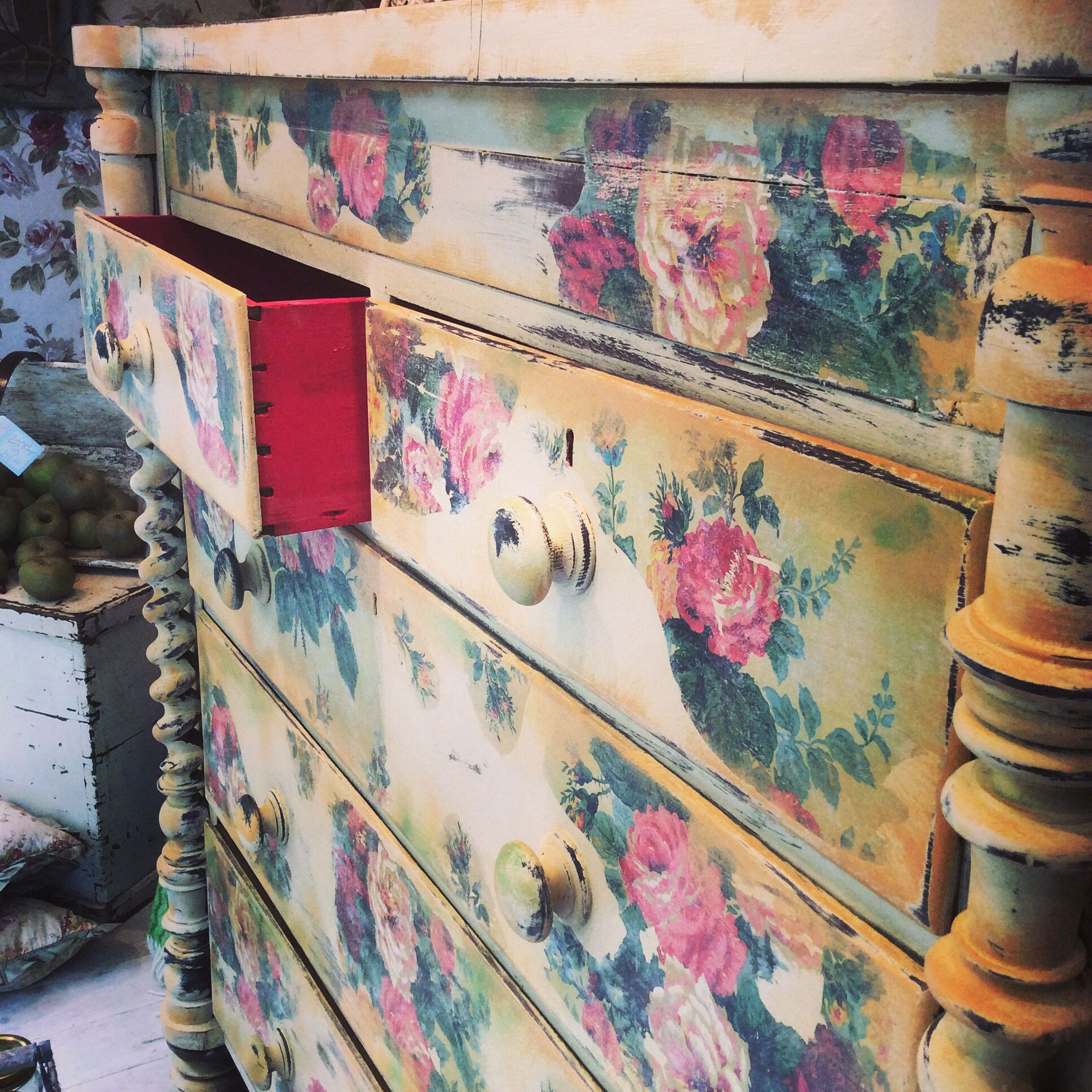 Vintage Floral chest of drawers