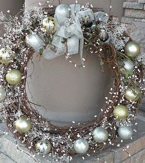 Vine Wreath with Ornaments