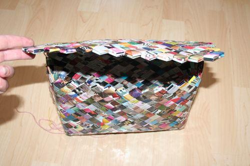 436c517a24e Flettet taske med flap-lukning   Ornament   Tasker, Papir og Fletninger