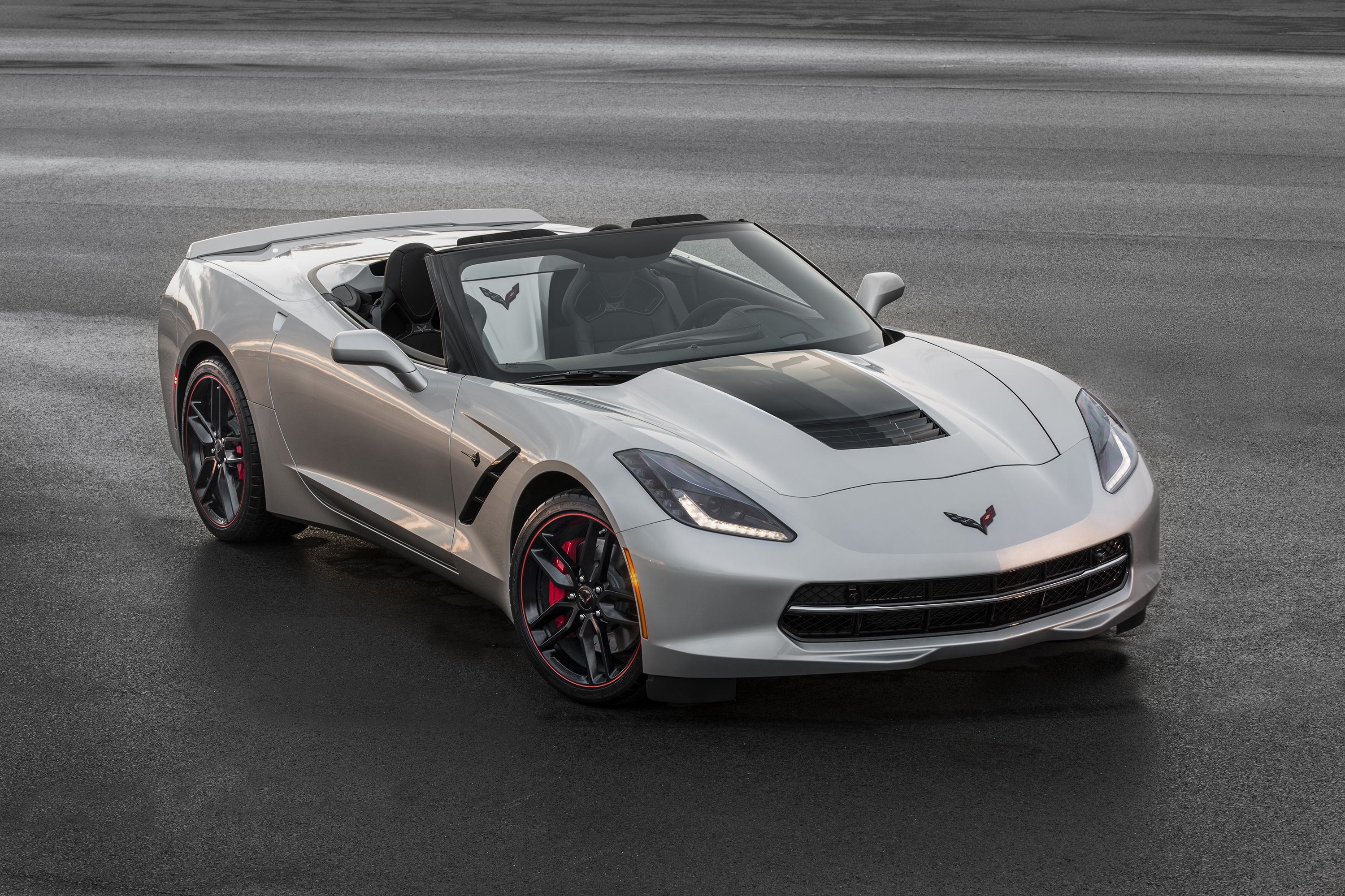 fered on 2016 Corvette Stingray and Z06 the Jet Black Suede