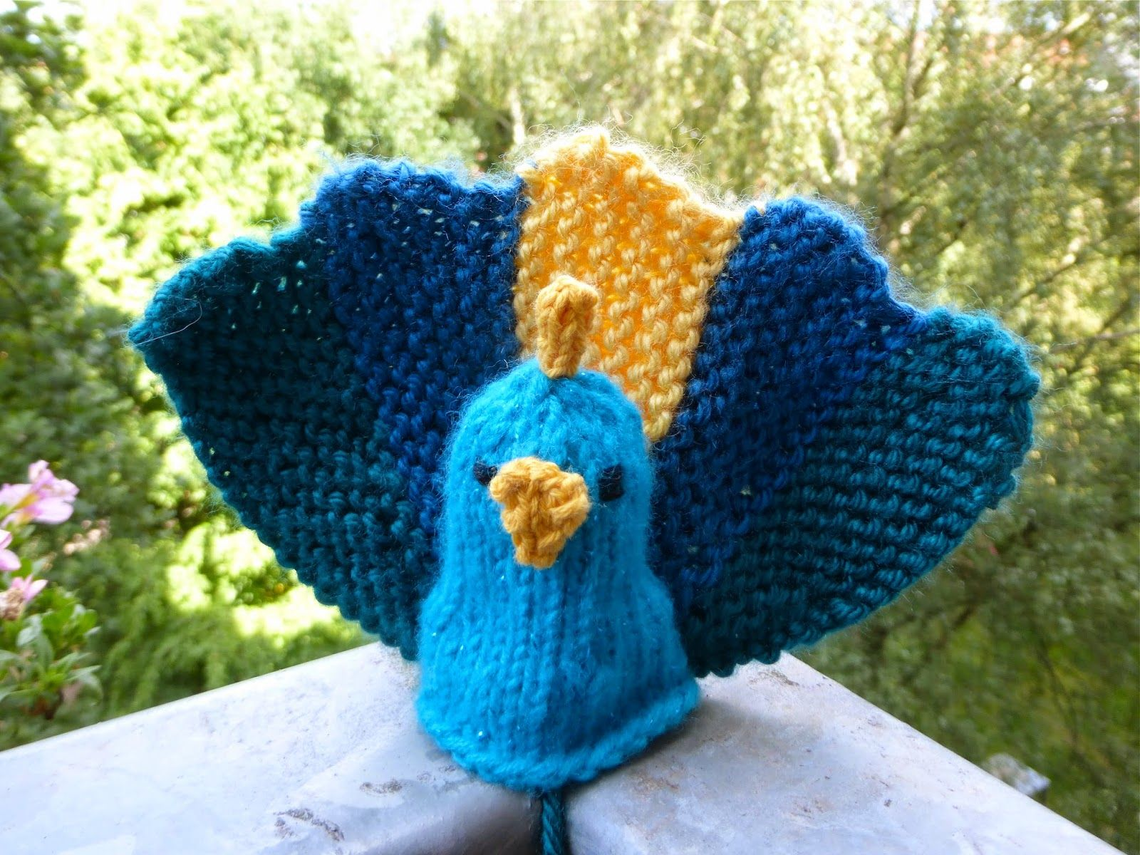 How to Knit a Peacock Free Pattern and Tutorial | Knitting ...
