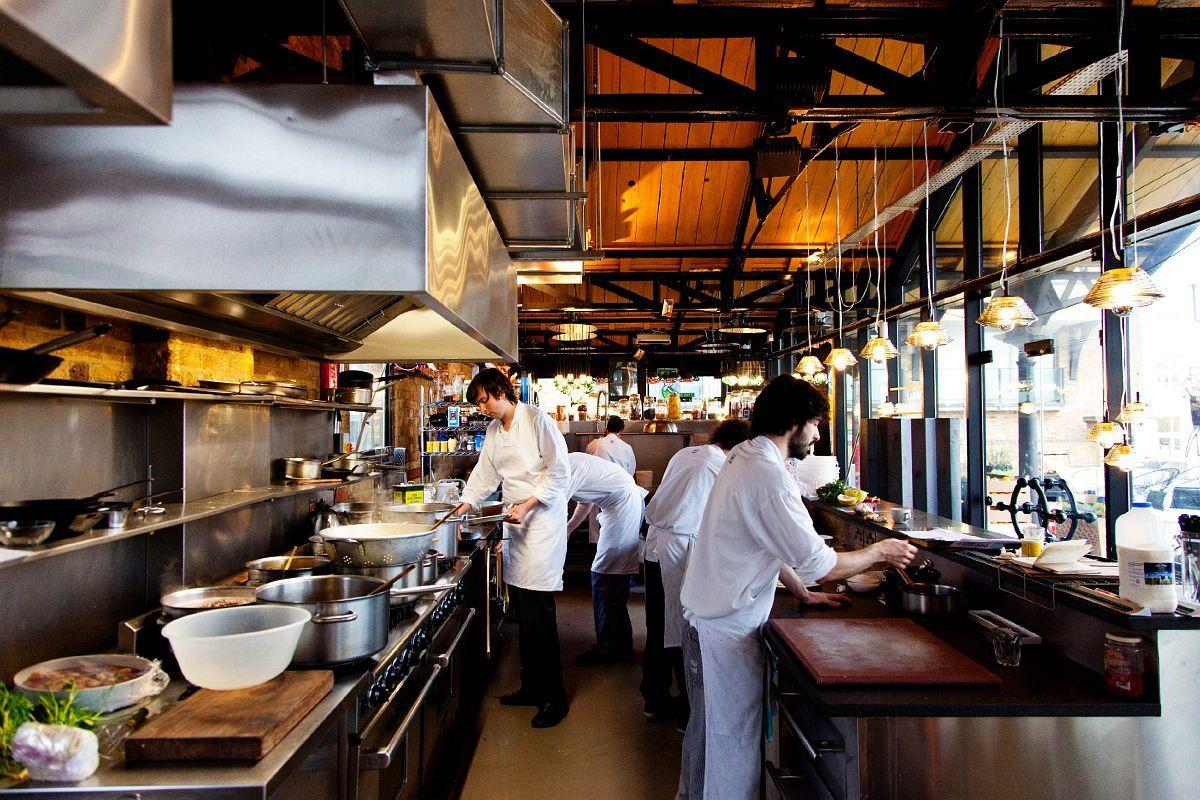 Restaurant kitchen design  galley kitchen  restaurant  Pinterest  Kitchens Open kitchens