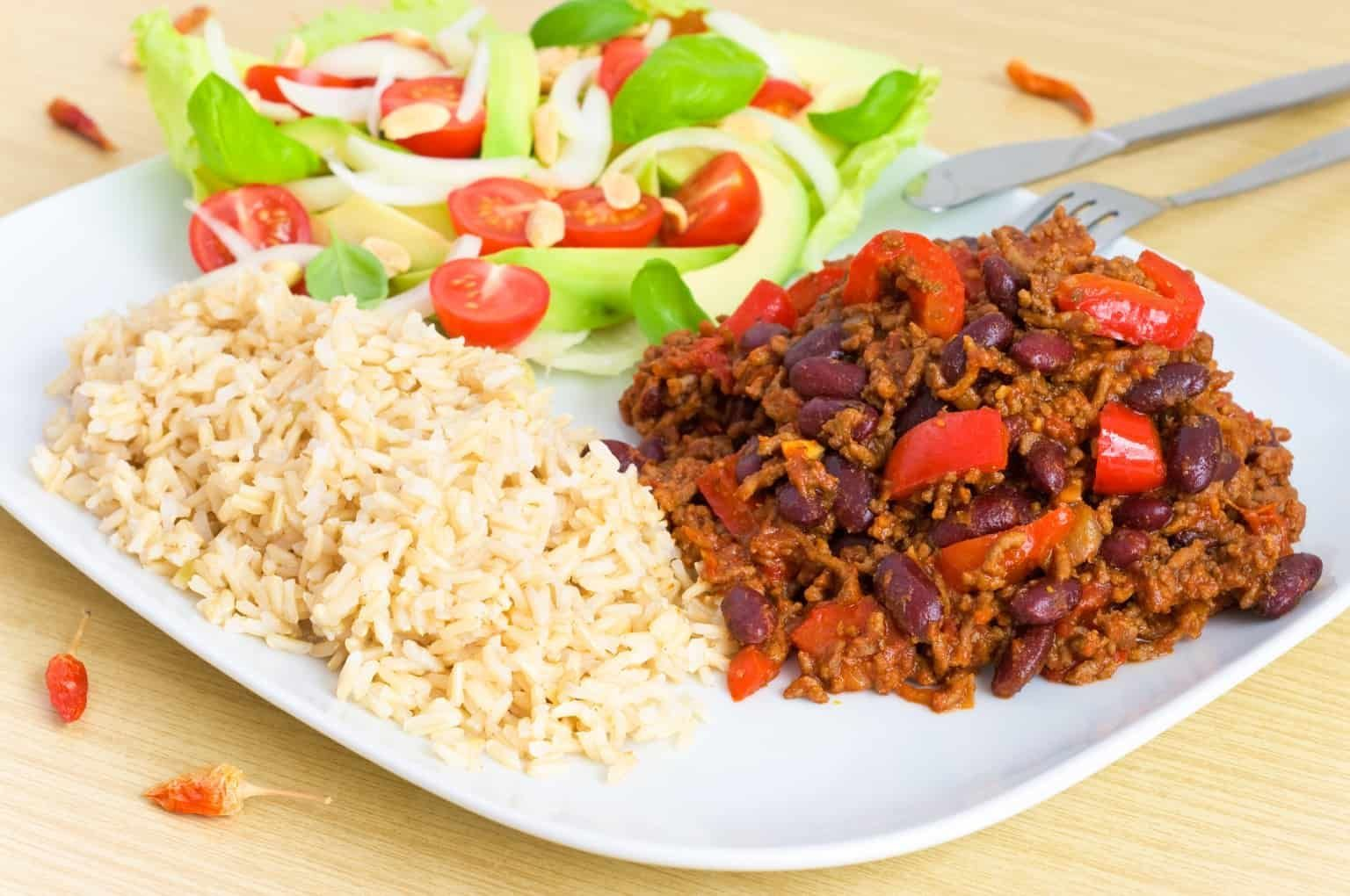Chilli Con Carne – Slimming World Syn Free Recipe    The process of losing weight requires discipline and willpower. If you don't tolerate spending your hours on the treadmill and counting the number of calories you consume, try these simple methods.    Move more. If you do not spend your time going to the gym, you need to make an effort to be more active during the day. The simplest ways to burn calories are to go to work, walk to ... #carne #Chilli #con #Free #recipe #slimming #Syn #World