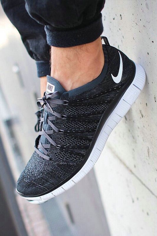 #freeruns20 com site full of #nikes 60% off!! for people who burn through shoes ......or who just want them in every color! this is an awesome website!