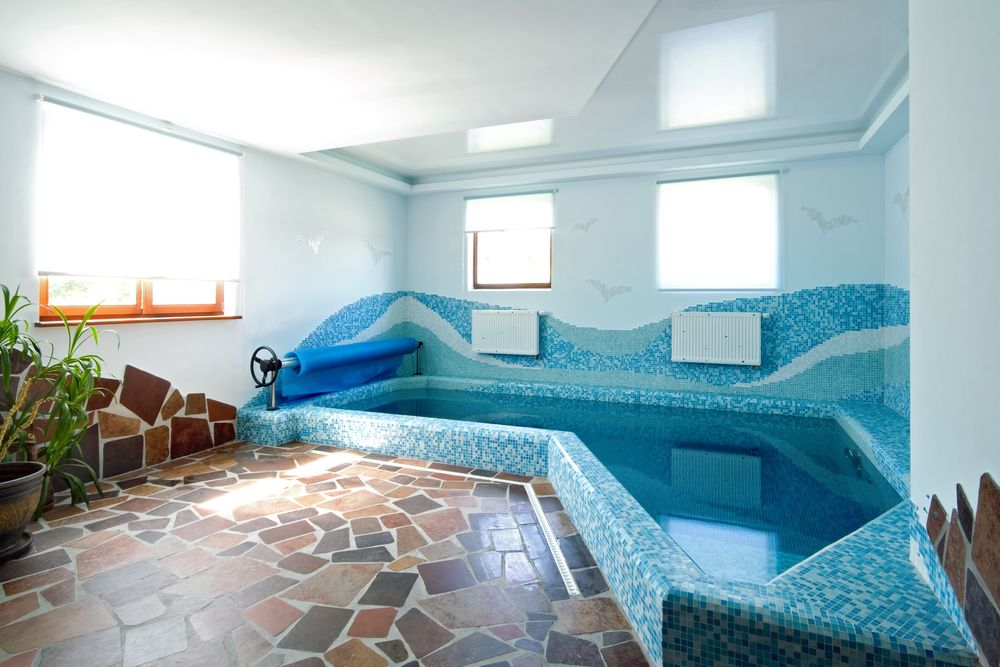 45 Screened In, Covered and Indoor Pool Designs | Small indoor ...