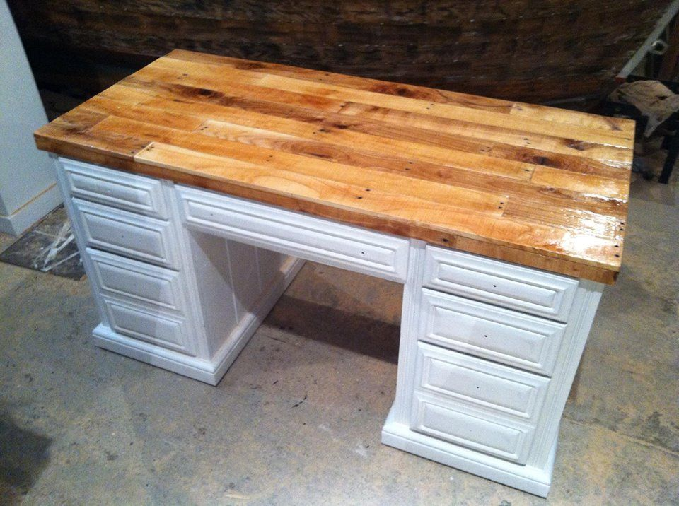Pallet Wood Diy Desk Top Great Project For A Reclaimed Piece Of