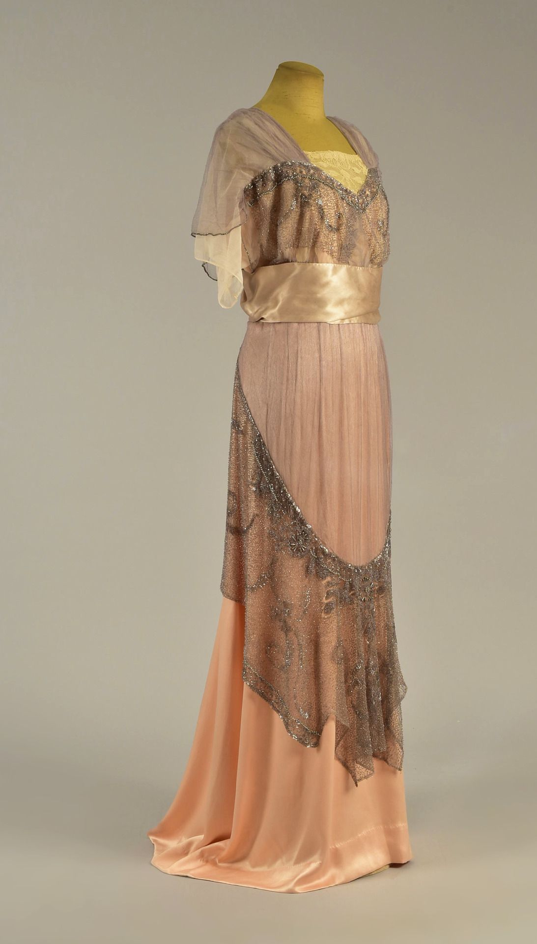 Evening dress of ellen wilson from whitaker auctions