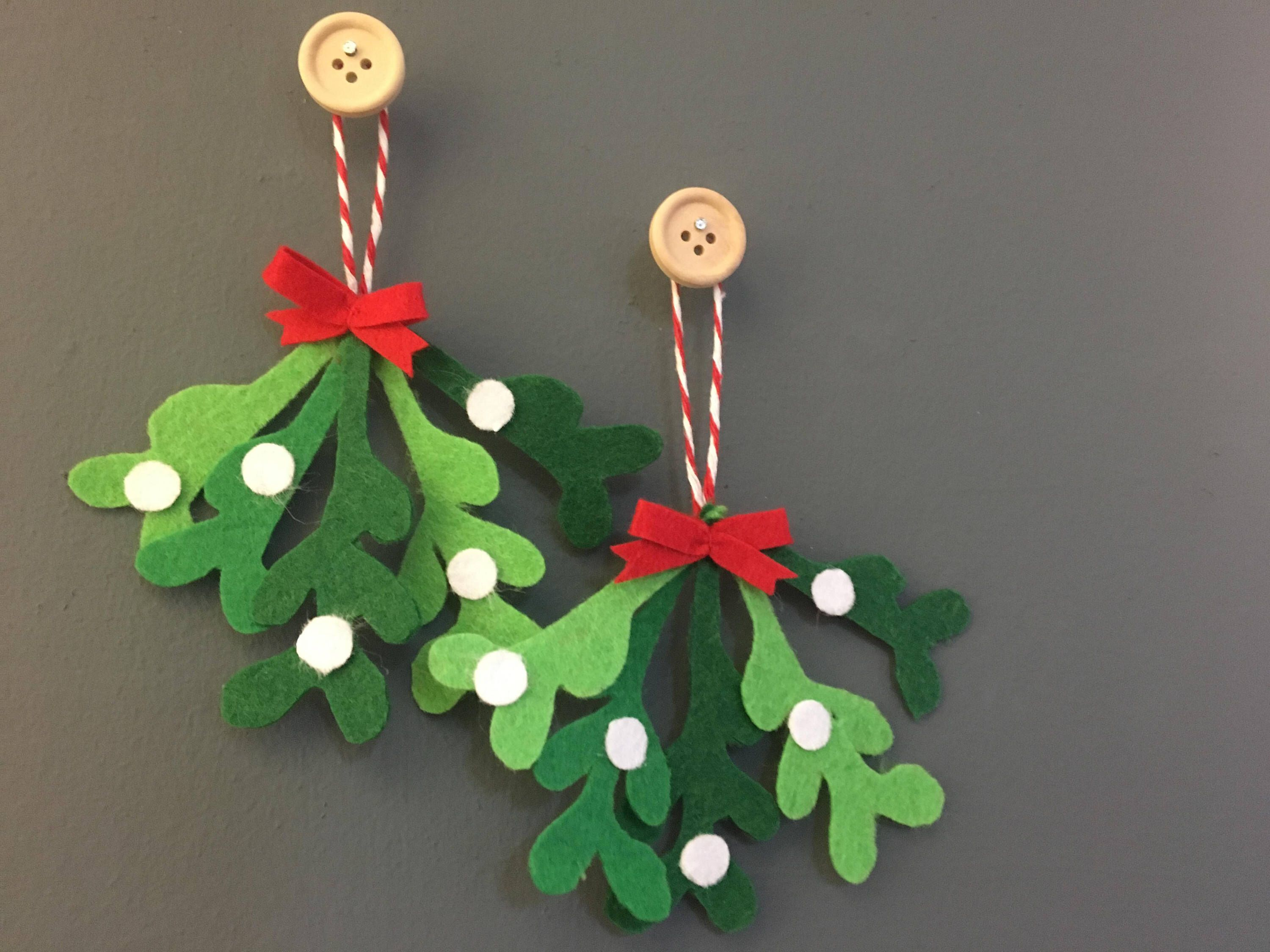 Handmade Felt Christmas Mistletoe Hanging Decorations By Twoandyoudesigns On Etsy Http Handmade Christmas Decorations Felt Christmas Ornaments Christmas Crafts