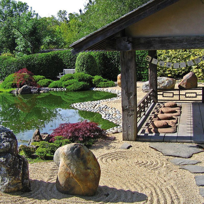 Our authentic kyoto style meditation garden is ranked for Japanese zen garden design