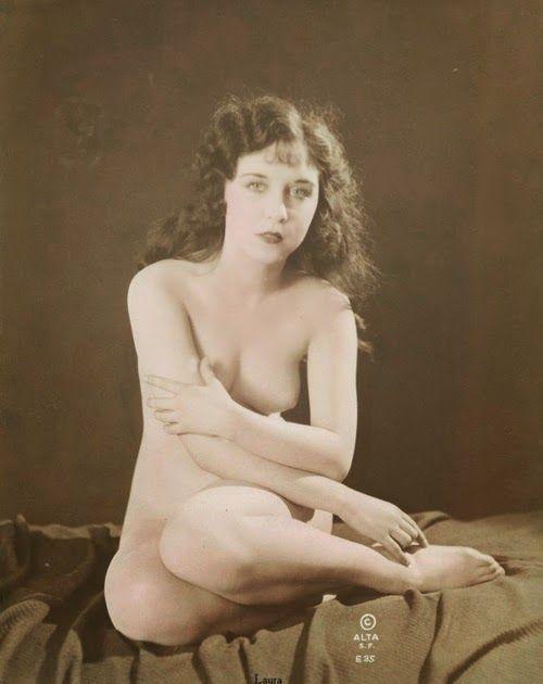 Sexy hot nude heshe