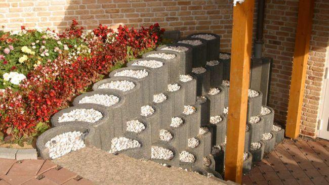 Ganz und zu Extrem pflanzringe-beton-setzen-gartengestaltung-stützmauer-grau-kies @OO_67